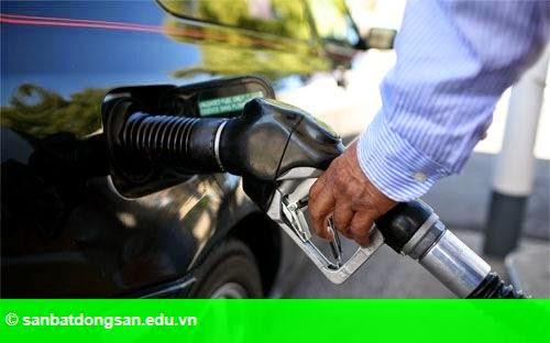 Hình 1: Giá dầu thế giới lên cao nhất từ đầu năm
