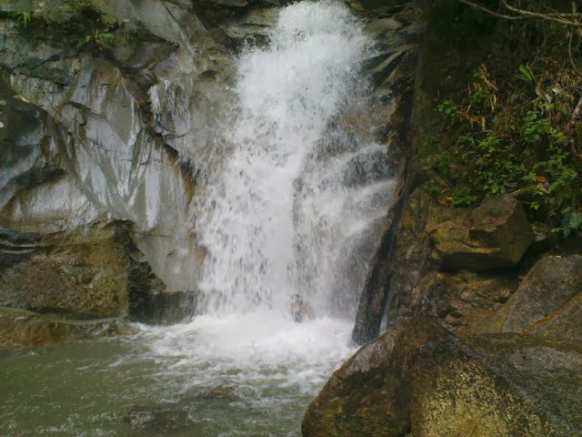 Jeram-Toi-Waterfall