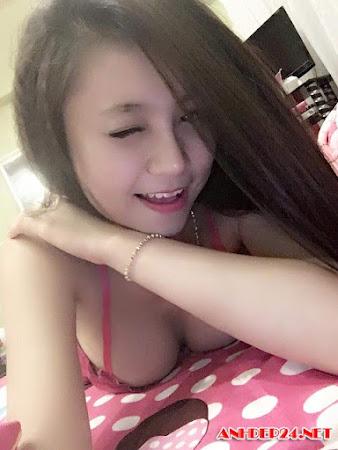 Bộ ảnh tươi mát của hot girl Phạm Ngọc Trân