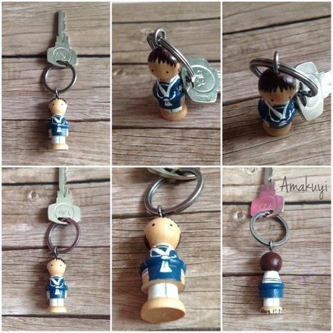 Comuniones-llaveros-muñecos-madera-handmade