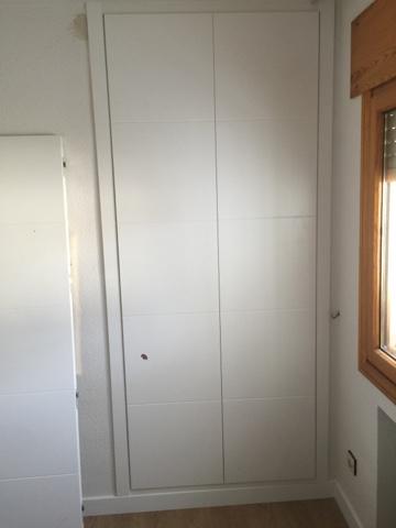 Puertas armarios tarimas ltimos trabajos realizados - Modelo de armarios empotrados ...