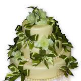 23. kép: Esküvői torták - Esküvői három szintes zöld szalagos torta