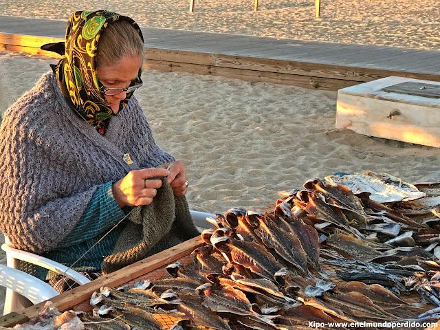 vendedoras-pescado-nazare.JPG