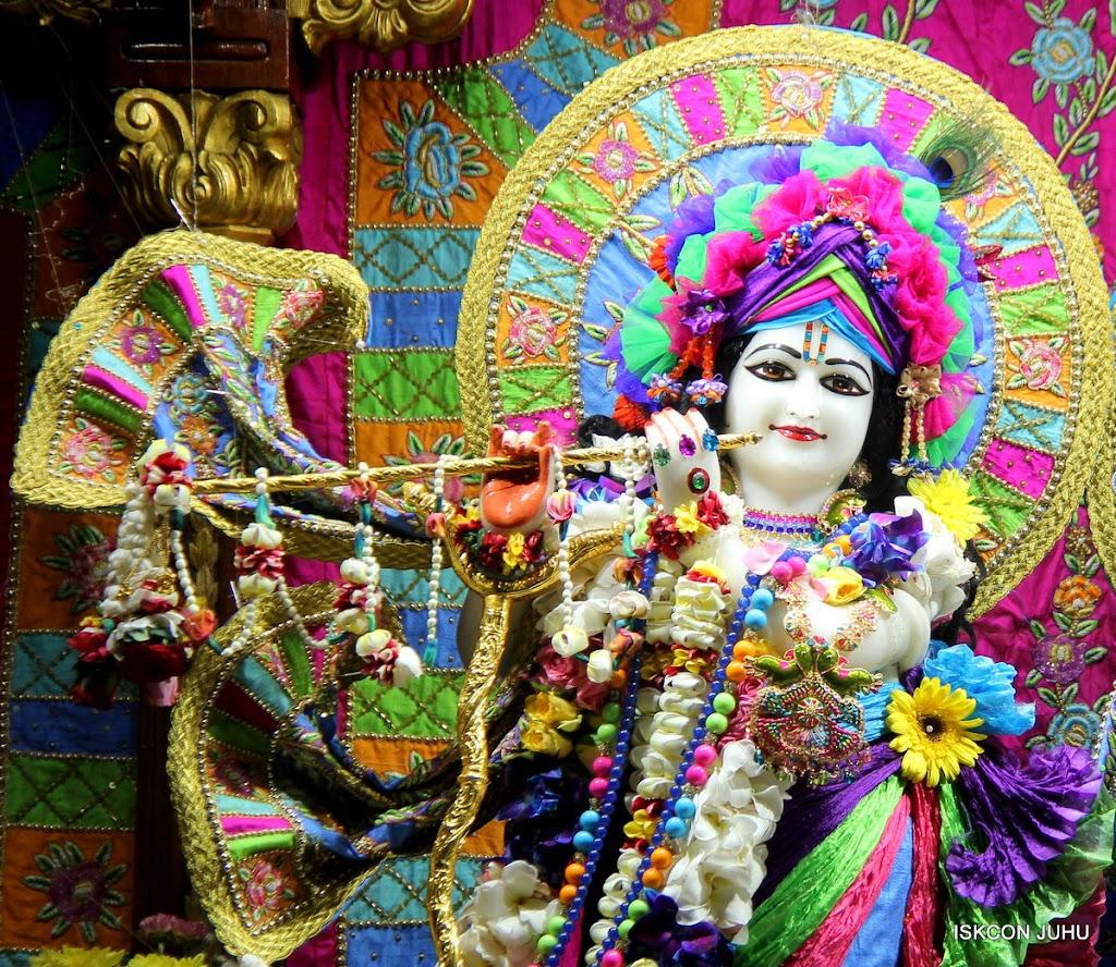 ISKCON Juhu Sringar Deity Darshan on 29th April 2016 (14)