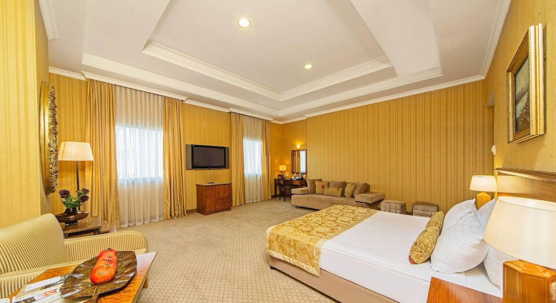 Grand Oztanik Hotel