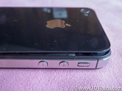 バックパネルが浮いてしまったiPhone 4s