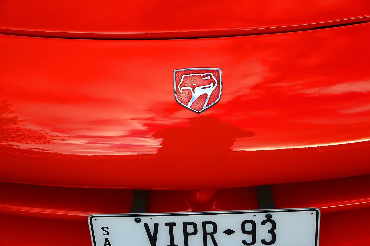 1993 Dodge Viper Bonnet Badge.jpg