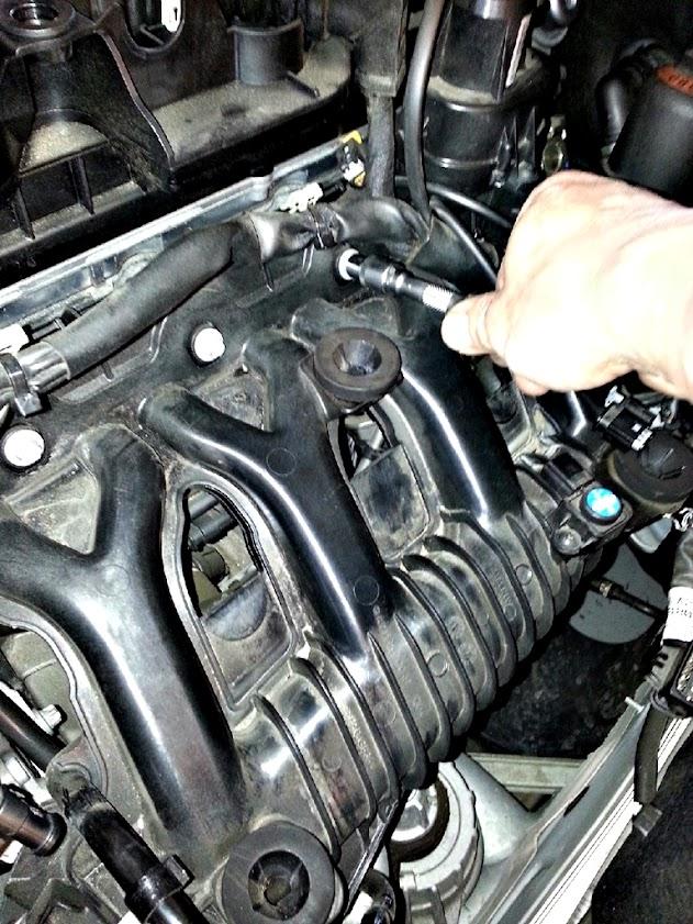 美規外匯車賓士Benz C250 AMG W204缸內直噴噴油嘴維修賭塞清洗保養