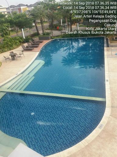 foto kolam renang kelapa gading