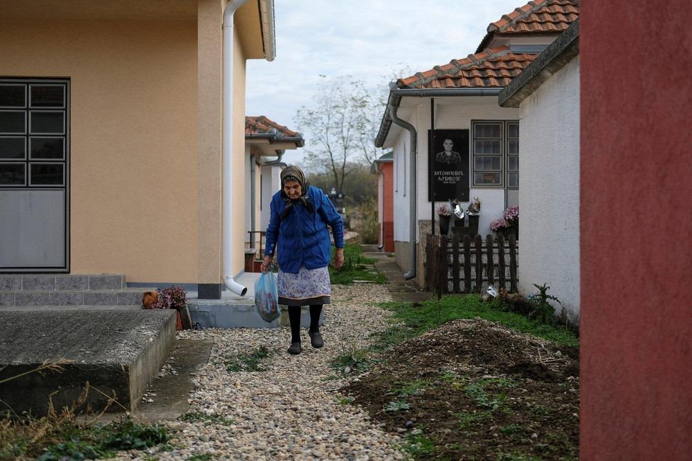 serbia-bungalow-cemeteries-10
