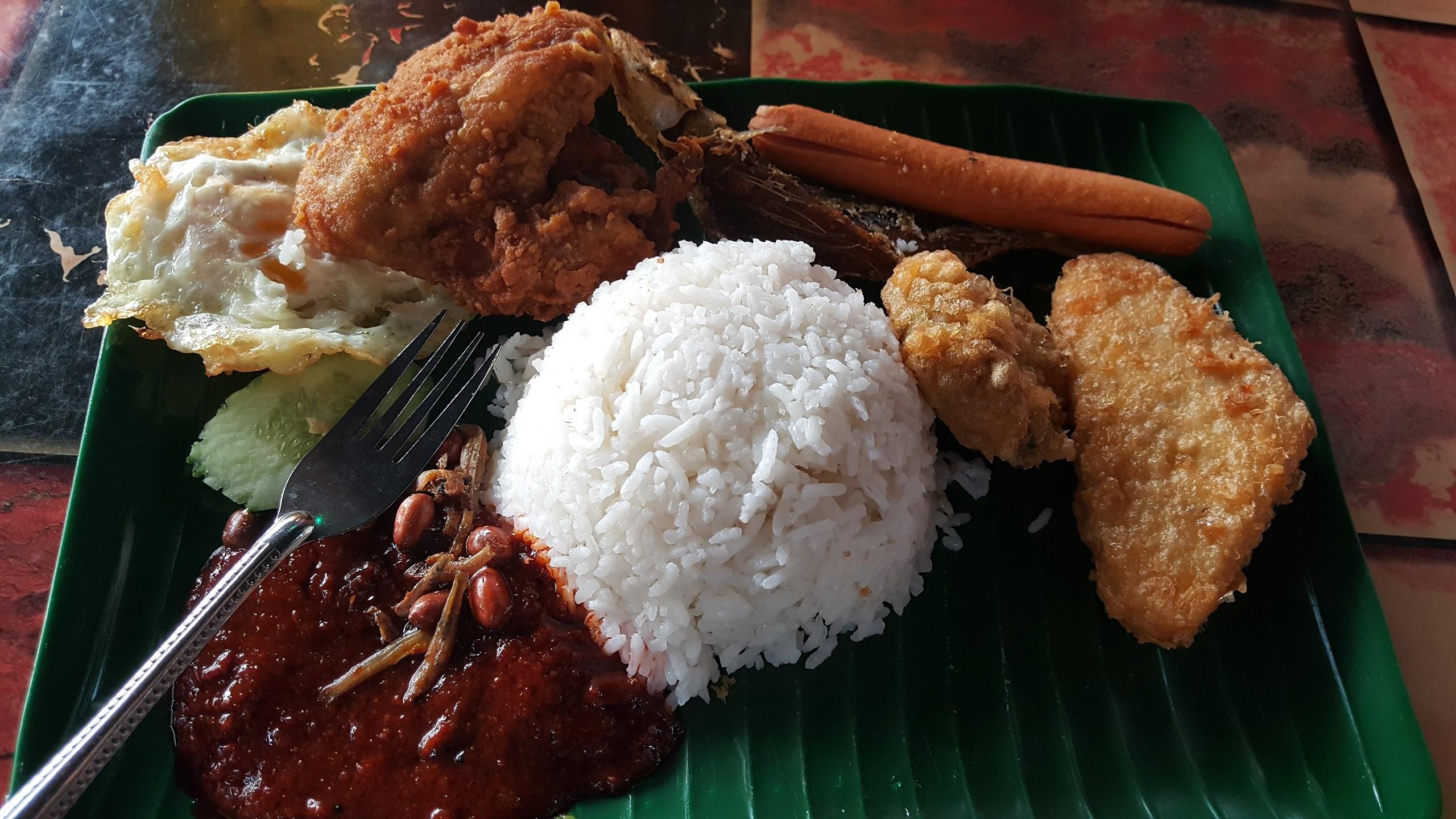 Dapur Rita Melaka Hidang Nasi Lemak Singapura