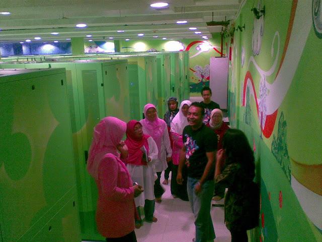 Tour di gedung IDC