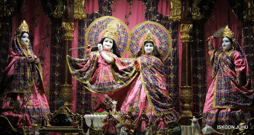 ISKCON Juhu Mangal Deity Darshan 09 Apr 16 (21)