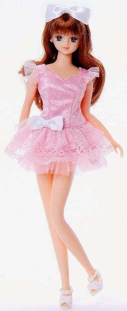 Búp bê Jenny Cô nàng Ayano mặc váy hồng thật duyên dáng và đáng yêu