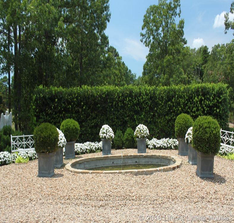 white garden 2
