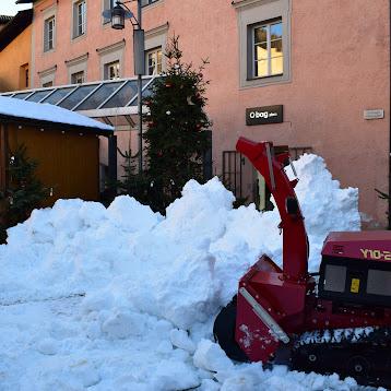 Aufbauarbeiten am Filmset Hexe Lilli, Sterzinger Stadtplatz (Fotos: at)