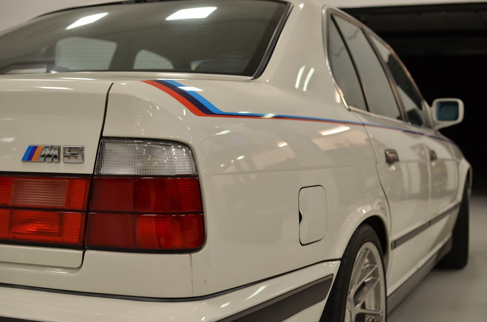 E34 M5 And E28 535i M Stripes Delorean
