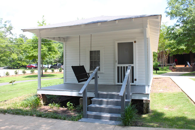 Visiting The Elvis Presley Birthplace And Museum This Is