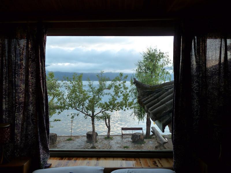 06.30 h reveil devant le Lac LUGU