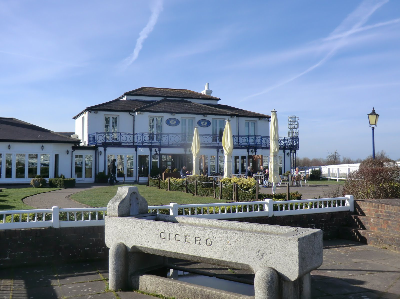 CIMG3667 The Rubbing House pub, Epsom Downs