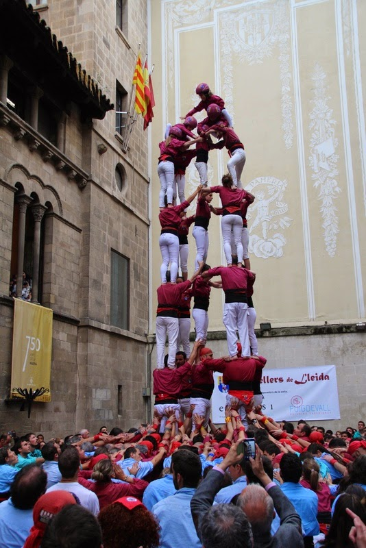 Actuació 20è Aniversari Castellers de Lleida Paeria 11-04-15 - IMG_8972.jpg
