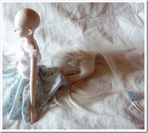 Ball Jointed Doll Wig Comes Off While Brushing