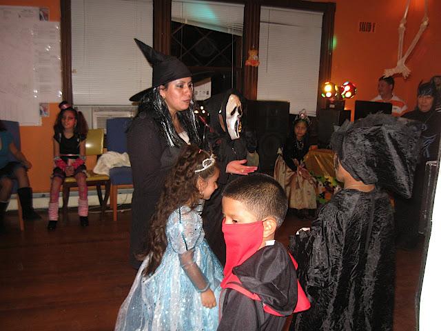 NL- Lakewood Halloween 2010 - IMG_2973.JPG