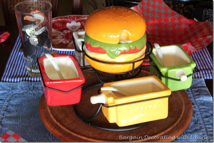 Condiment Set Centerpiece for Casual Tabble