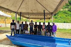 Bupati Anambas menyerahkan  15 unit Perahu Fiber , Jongkong kepada kelompok nelayan  Budidaya ikan diKecamatan Siantan Tengah