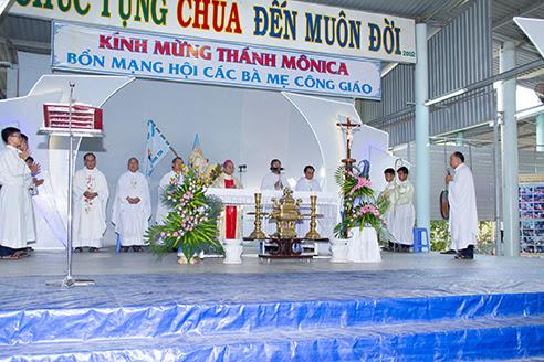 Các Bà Mẹ Công Giáo hạt Nha Trang mừng kính thánh Bổn Mạng Mônica