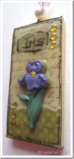 Domino Crafts Iris Mixed Media Domino Tag