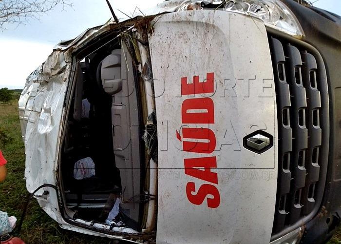 SÃO-JOSÉ-Quatro-feridos-dois-em-estado-grave-após-capotamento-de-Van-da-Secretaria-de-Saúde-na-BR-364-1-2