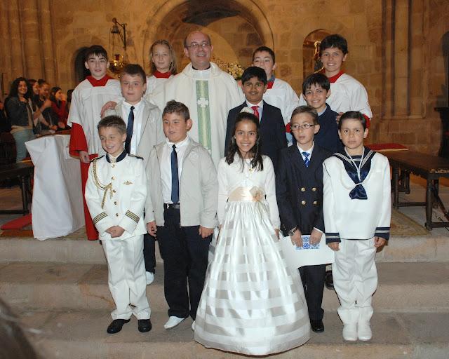 Los niños que hicieron su comunión en la parroquia de San Vicente el domingo 1 de junio de 2014
