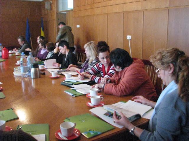 Lansarea manualului de ecologie ECOROM - proiect educational - noiembrie 2009 - IMG_2960.jpg