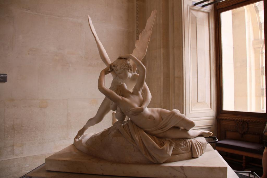 Mi mundo perdido: Amor y Psique de Antonio Canova (1757-1822)