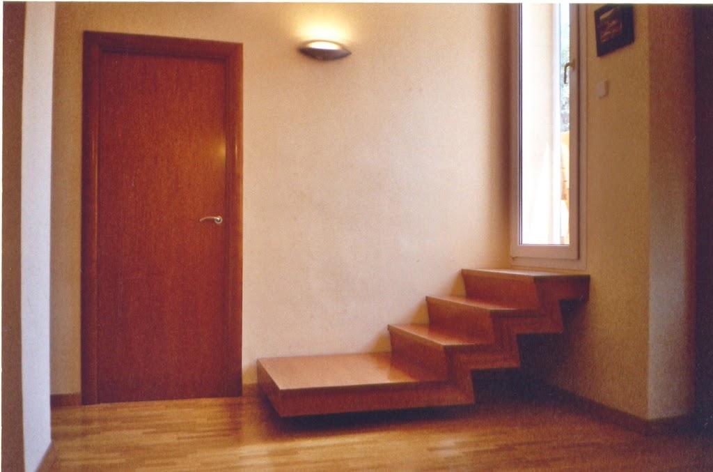 escalera de Cedro