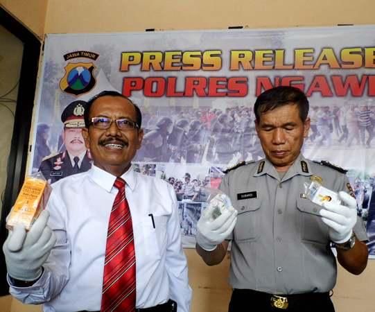 Tidak Kantongi Ijin Edar, Tiga Penjual Kosmetik Diamankan Polisi