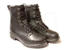 sepatu-bot
