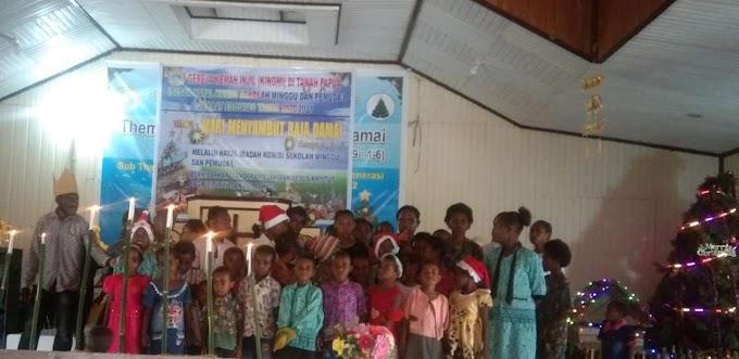 Komisi Sekolah Minggu, Pemuda dan Pemudi Jemaat Edoutou Menggelar Ibadah Perayaan Natal