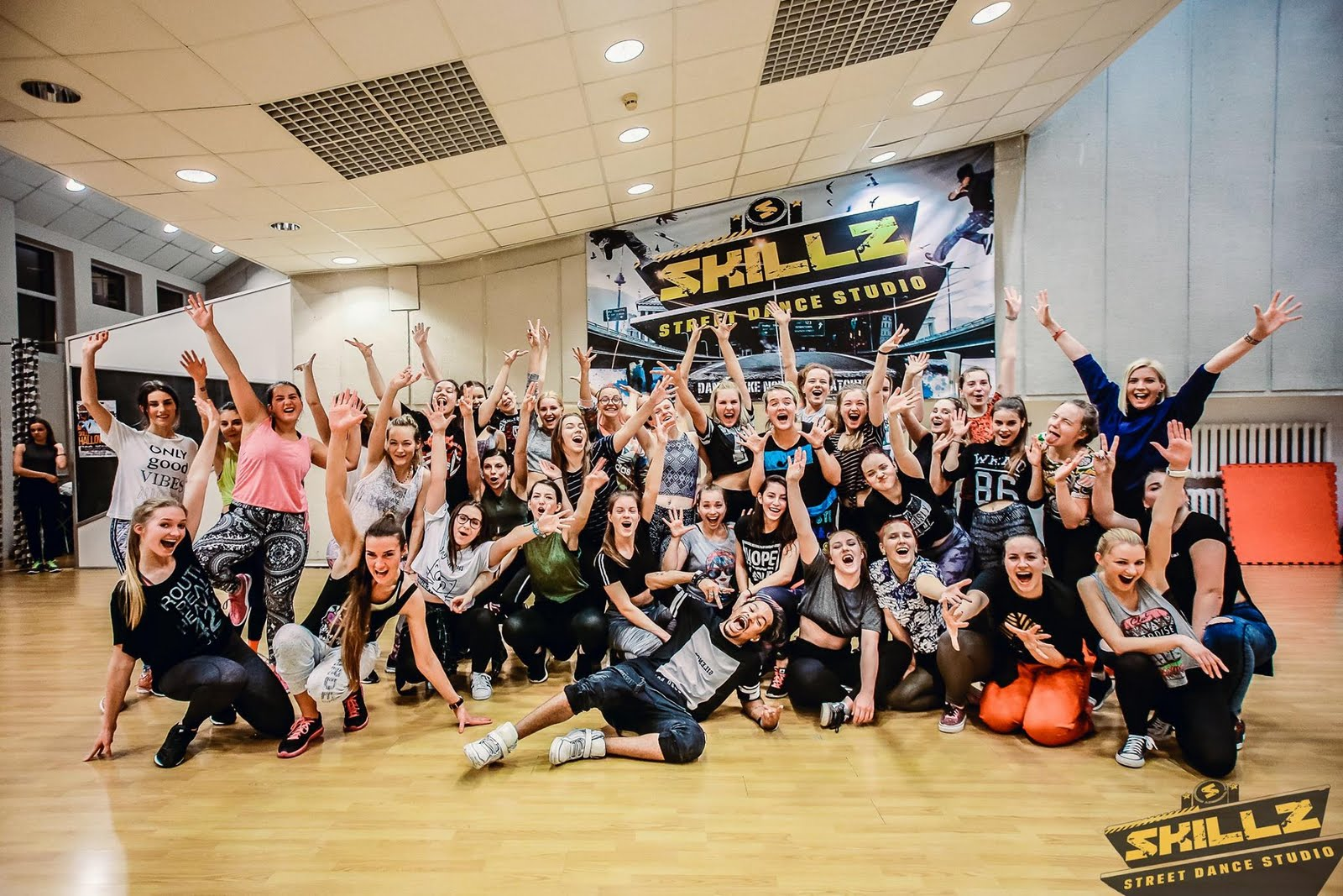 Dancehall workshop with Jiggy (France) - 53.jpg