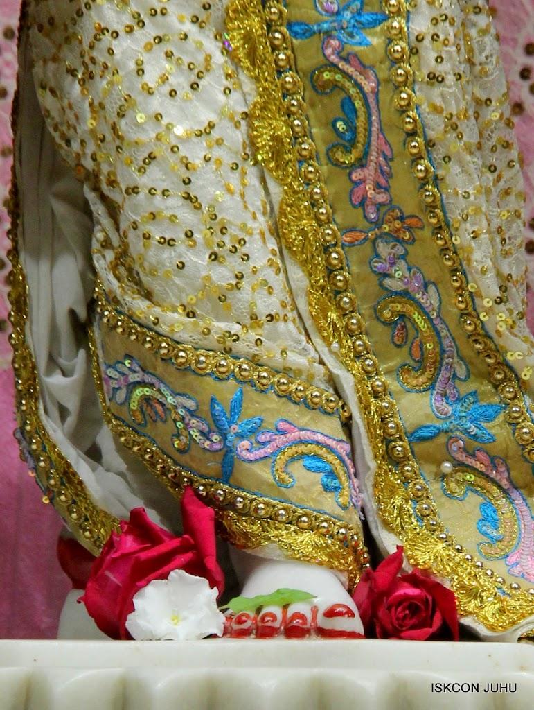 ISKCON Juhu Mangal Deity Darshan on 24th July 2016 (29)