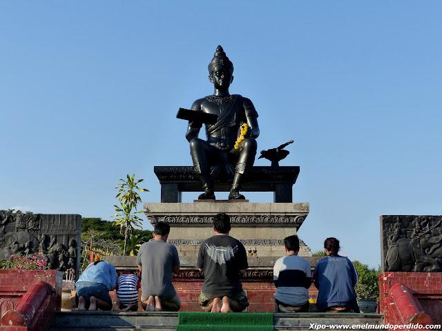 monumento-rey.JPG