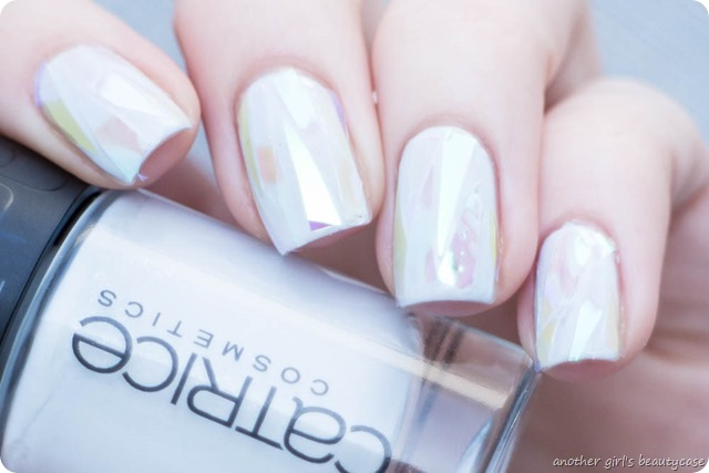 Shattered Glass Ice Nails Nailart Winter Trend-2