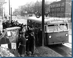 hb2_1943_1-942-013_bus_mack_durant_la_guerre