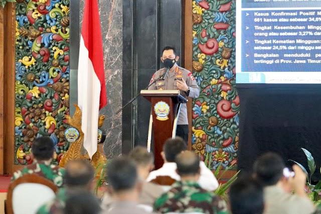*Panglima TNI dan Kapolri Berikan Semangat Petugas dalam Penanganan Covid-19 di Bangkalan*
