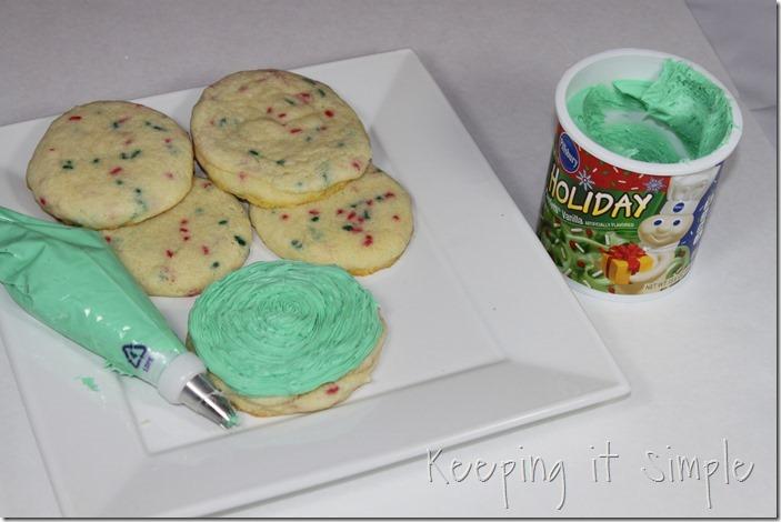 #ad Santa-Cookies-Cake-Cookies-With-DIY-Santa-Plate #BakeintheFun (10)