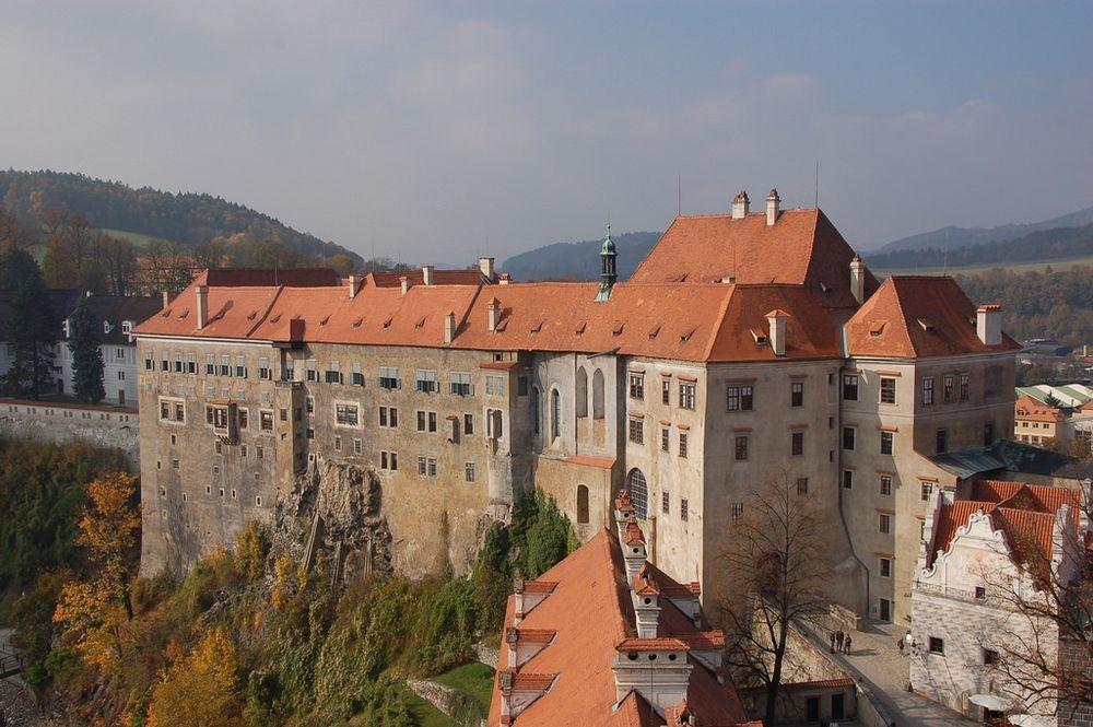 cesky-krumlov-castle-bears-4