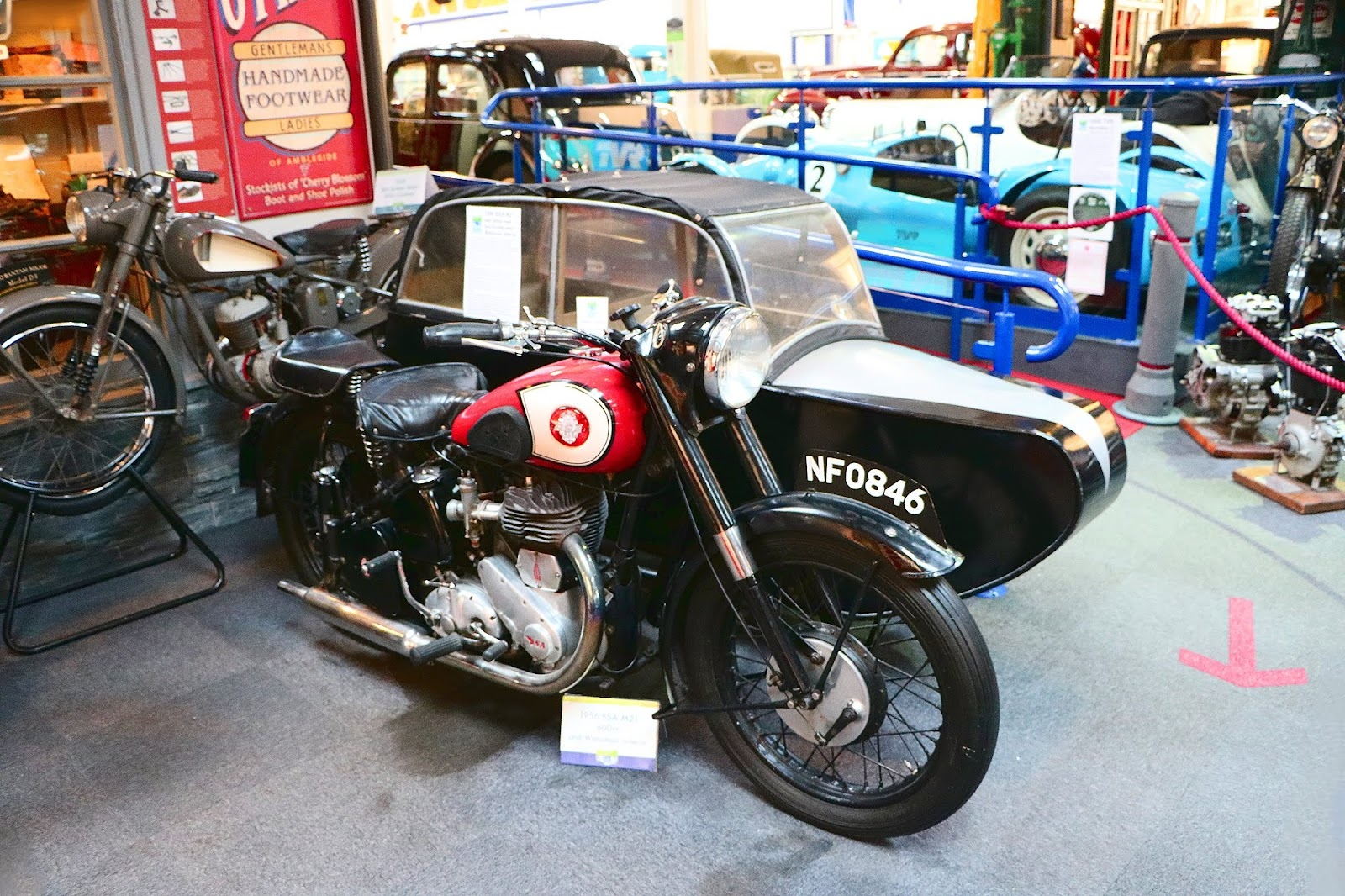 1956 BSA M21 600cc.jpg