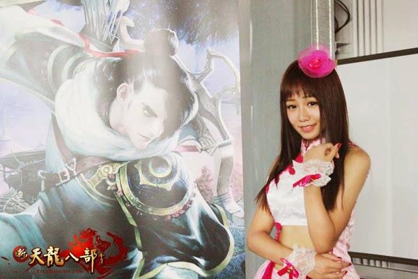 Ngắm showgirl tại gian hàng Tân Thiên Long Bát Bộ 11
