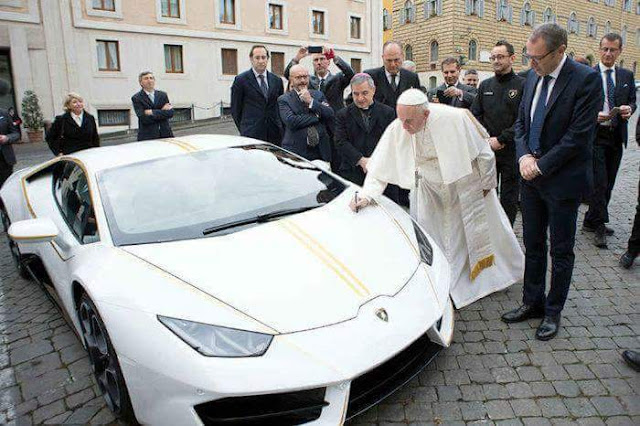 POPE GETS LAMBORGHINI AS GIFT, AUCTIONS IT TO CHARITY